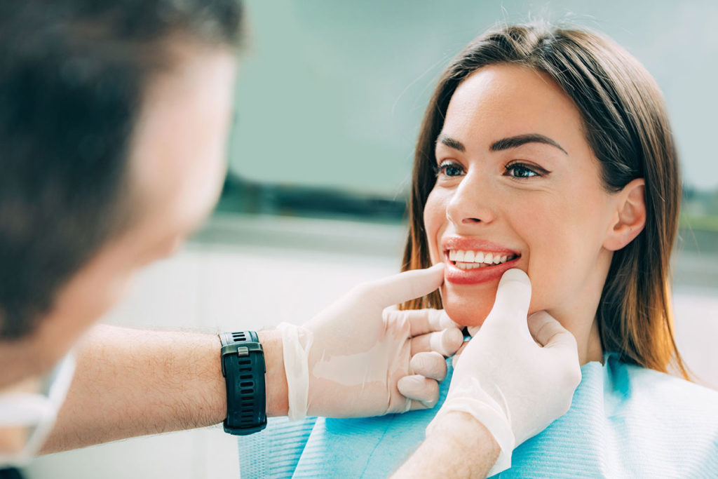 Carillas dentales Chêne-Bourg