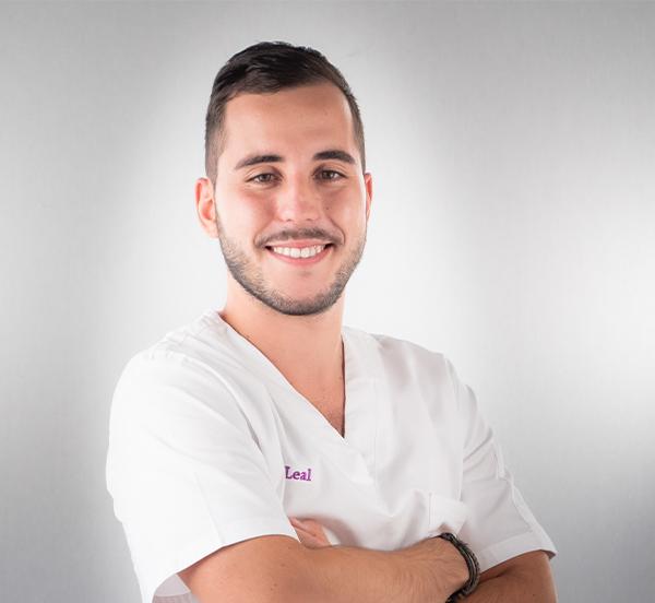 Dr Dany Leal - Médecin Dentiste
