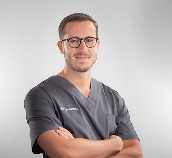 Dr Benjamin Lazzarotto - Spécialiste en Chirurgie Orale